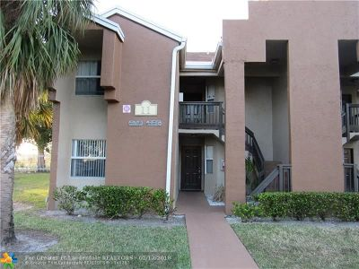 Pembroke Pines Condo/Townhouse For Sale: 530 SW 113th Way #530