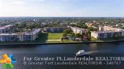 Lighthouse Point Condo/Townhouse Backup Contract-Call LA: 3150 NE 48th Ct #301