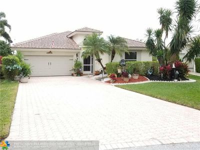 Coconut Creek Single Family Home For Sale: 3786 Coco Lake Dr