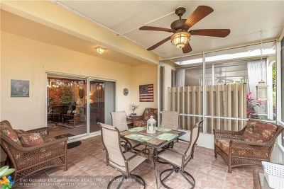 Deerfield Beach Condo/Townhouse For Sale: 1238 SW 48th Ter #1238