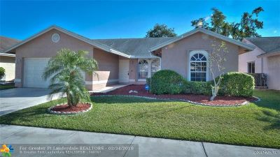 Coconut Creek Single Family Home For Sale: 3882 NW 59th St