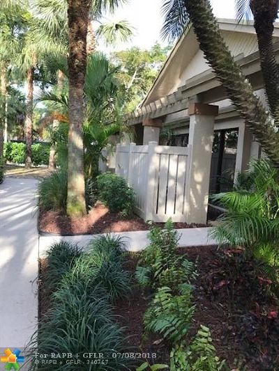 Coconut Creek Condo/Townhouse For Sale: 4869 NW 22nd St #4869