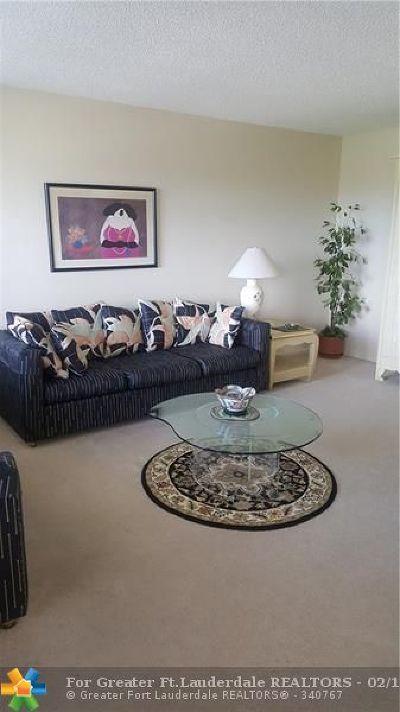 Broward County , Palm Beach County Condo/Townhouse For Sale: 4082 Yarmouth E #E