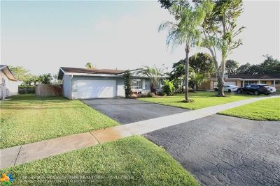 Plantation Single Family Home For Sale: 7101 NW 11th Ct