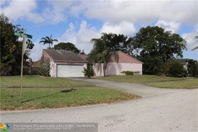 Boynton Beach Single Family Home For Sale: 8200 Rose Marie Ave W
