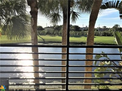 Boynton Beach Condo/Townhouse For Sale: 6414 Aspen Glen #204