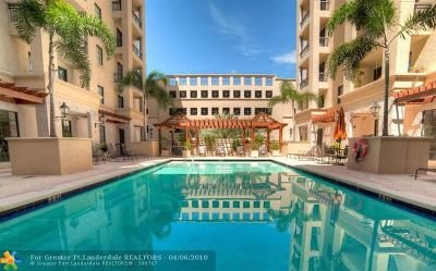 Boca Raton Condo/Townhouse For Sale: 233 S Federal Hwy #604