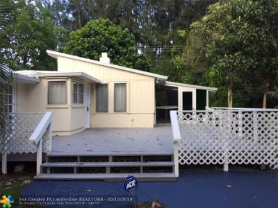 Miami Single Family Home For Sale: 7260 SW 76th St