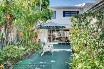 Wilton Manors Condo/Townhouse For Sale: 5 Middlesex Dr #5