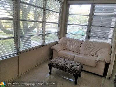 Lauderdale Lakes Condo/Townhouse For Sale: 2600 NW 49th Ave #203