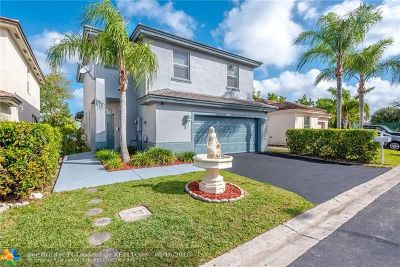 Tamarac Single Family Home For Sale: 6685 NW 69th Ct