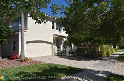 Fort Lauderdale Condo/Townhouse For Sale: 2601 NE 13th St #2601