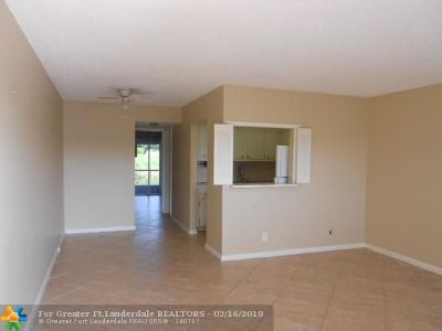 Deerfield Beach Condo/Townhouse For Sale: 65 Ashby B #65