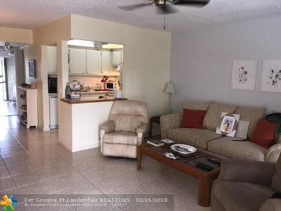 Deerfield Beach Condo/Townhouse For Sale: 178 Ellesmere C #178