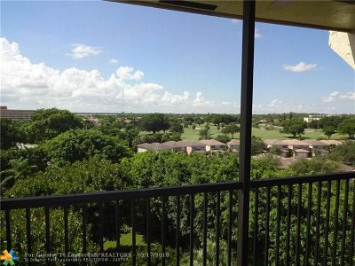 Lauderhill Condo/Townhouse For Sale: 3910 Inverrary Blvd #807-B