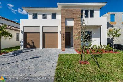 Miami Single Family Home For Sale: 15231 SW 176th Lane