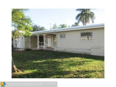 Pompano Beach Single Family Home For Sale: 1800 NE 27th Ave