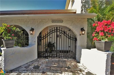 Hollywood Single Family Home For Sale: 5720 Charleston St