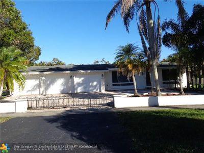 Pembroke Pines Single Family Home For Sale: 9321 Johnson St