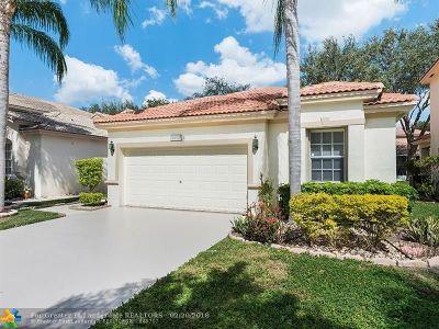 Coconut Creek Single Family Home For Sale: 4977 Pelican Mnr