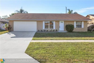 Lake Worth Single Family Home For Sale: 6028 Plains Dr
