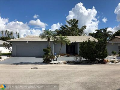 Tamarac Single Family Home For Sale: 4406 Queen Palm Ln