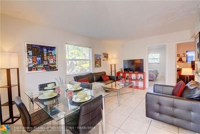 Wilton Manors Condo/Townhouse For Sale: 2741 NE 8th Ave #11