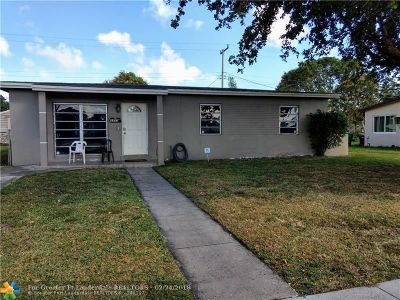 Lauderhill Single Family Home For Sale: 3351 NW 7th Ct