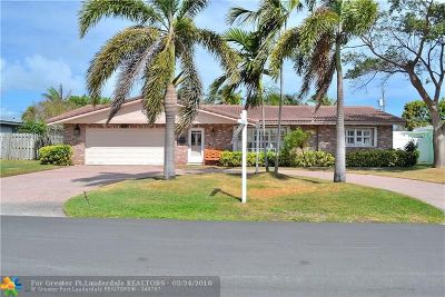 Pompano Beach Single Family Home For Sale: 2761 NE 7th St