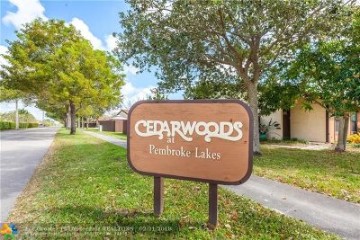 Pembroke Pines Condo/Townhouse For Sale: 2361 Poinsetta Ct #2361