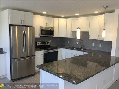Boca Raton Condo/Townhouse For Sale: 3053 Wolverton C #3053