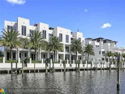 Broward County Condo/Townhouse For Sale: 259 Shore Ct #259
