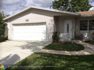 Coconut Creek Single Family Home For Sale: 4141 NW 9th St