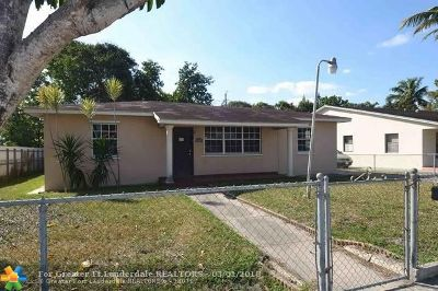 Hialeah Single Family Home For Sale: 4536 E 9th Ct
