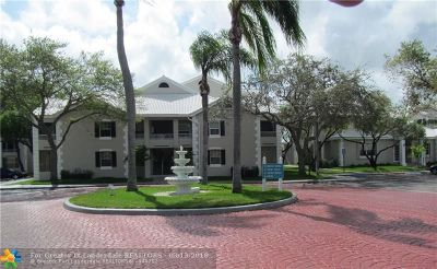 Oakland Park Condo/Townhouse For Sale: 2820 N Oakland Forest Dr #304