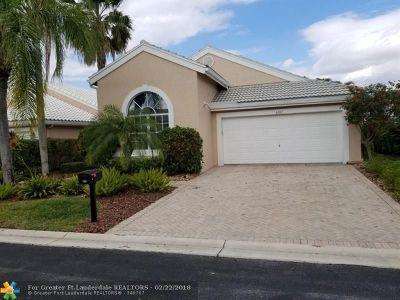 Boynton Beach Single Family Home For Sale: 6387 Three Lakes Ln