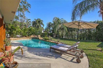 Pompano Beach Single Family Home For Sale: 2850 NE 18th St
