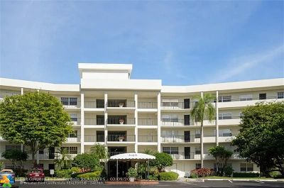 Pompano Beach Condo/Townhouse For Sale: 3900 Oaks Clubhouse Dr #511