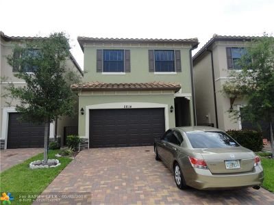 Tamarac Single Family Home For Sale: 5814 NW 46th Ln