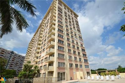 Fort Lauderdale Condo/Townhouse For Sale: 340 Sunset Dr #301