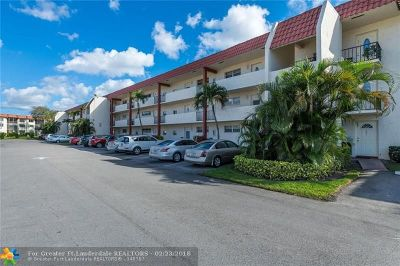 Pembroke Pines Condo/Townhouse For Sale: 361 S Hollybrook Dr #202
