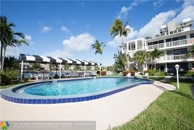 Hollywood Condo/Townhouse For Sale: 2400 S Ocean Dr #117