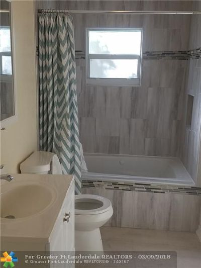 Deerfield Beach Single Family Home For Sale: 225 SW 7th Ct