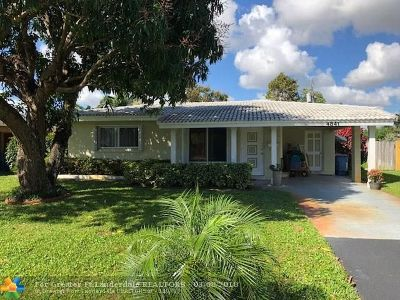 Oakland Park Single Family Home For Sale: 4841 NE 7th Ave