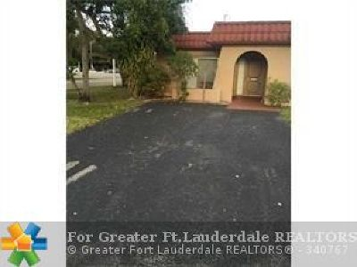 North Lauderdale Condo/Townhouse For Sale: 2300 SW 81st Ter #1