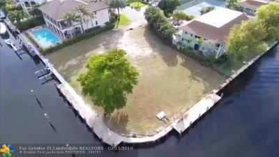 Lauderdale By The Sea Single Family Home For Sale: 287 SW Codrington Dr
