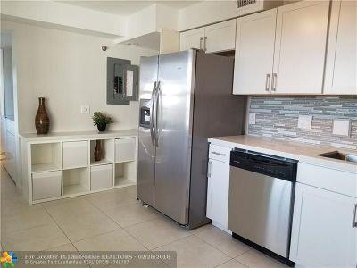 Pompano Beach Condo/Townhouse For Sale: 4015 W Palm Aire Dr #902