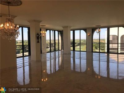 Boca Raton Condo/Townhouse For Sale: 7572 Regency Lake Dr #802