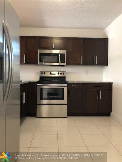 North Lauderdale Condo/Townhouse For Sale: 1820 SW 81st Avenue #3417
