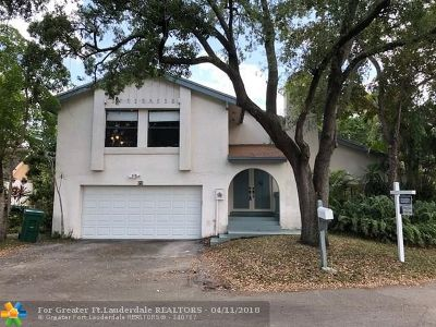 Cooper City Single Family Home For Sale: 75 Forest Cir